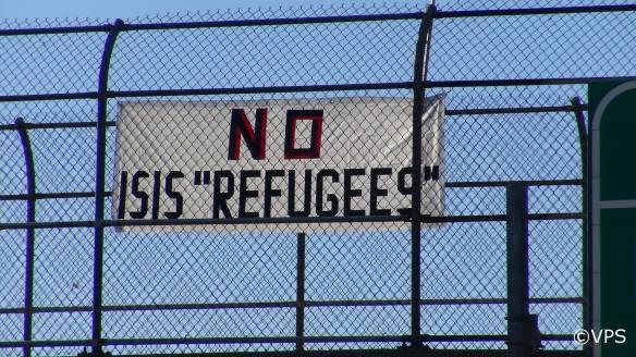 no-isis-refugees-tarp